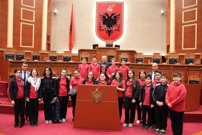 Në Parlament