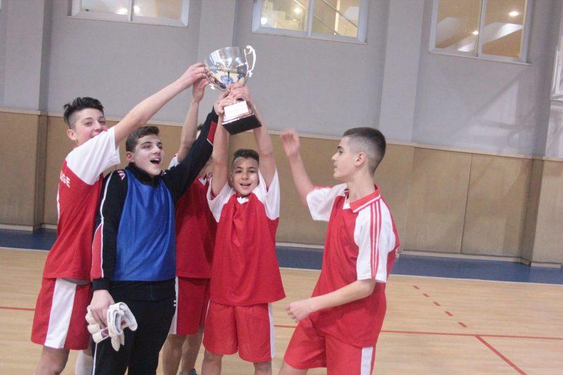 Kampinati i Futbollit për djem, klasat e 8-ta