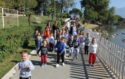Grupet e dyta të kopshtit vizitojnë Kopshtin Zoologjik