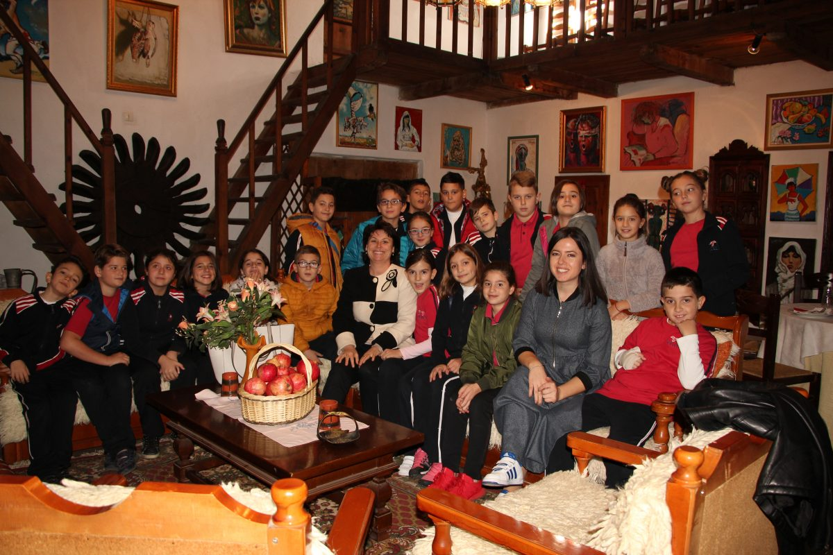 Klasa e 5-të F vizitë në shtëpinë e Sali Shijakut