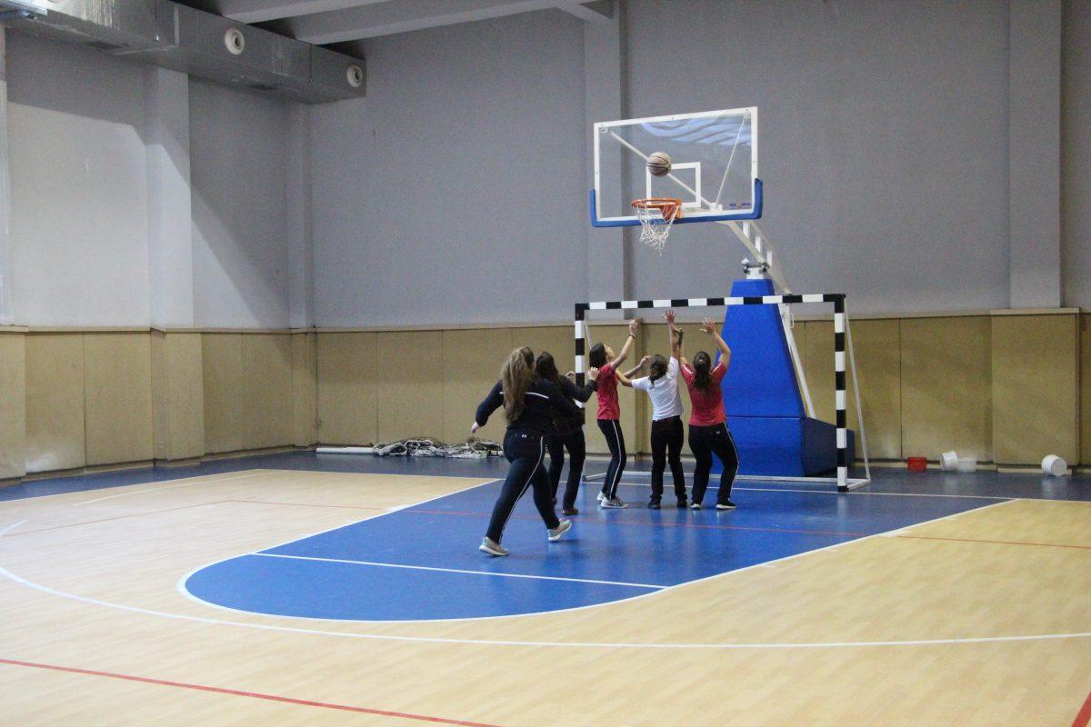 Faza gjysmëfinale e Kampionatit të Basketbollit për vajza