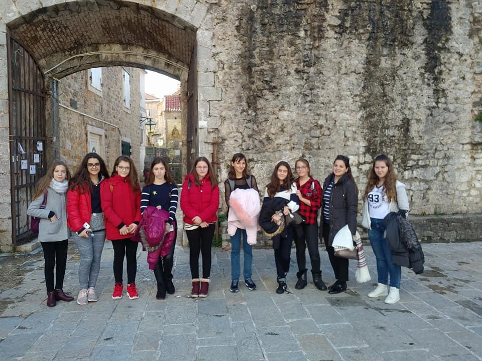 Shëtitja e nxënëseve të klasave të shtata në Mal të Zi