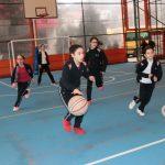Finalja e Kampionatit të Basketbollit për vajzat ndërmjet klasave të 6-ta