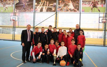 Finalja e Kampionatit të Basketbollit për djemtë ndërmjet klasave të 6-ta