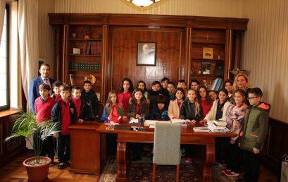 Klasa e 4F vizitë në dy institucione shtetërore