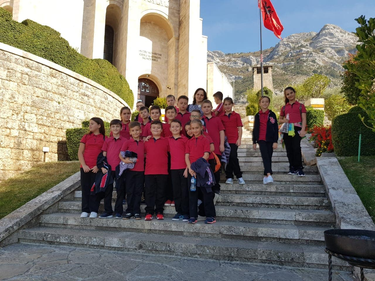 """Një vizitë ndryshe në Muzeun Kombëtar """"Gjergj Kastrioti Skënderbeu"""""""