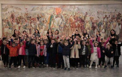 Fëmijët e parashkollorit në Muzeun Historik Kombëtar