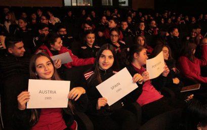 Nxënësit e klasave të teta në një seminar për BE-në