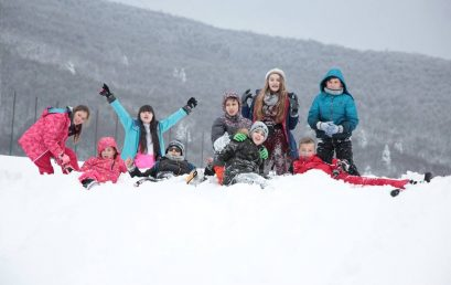 Shëtitja  e klasave të 6-ta në Mavrovë