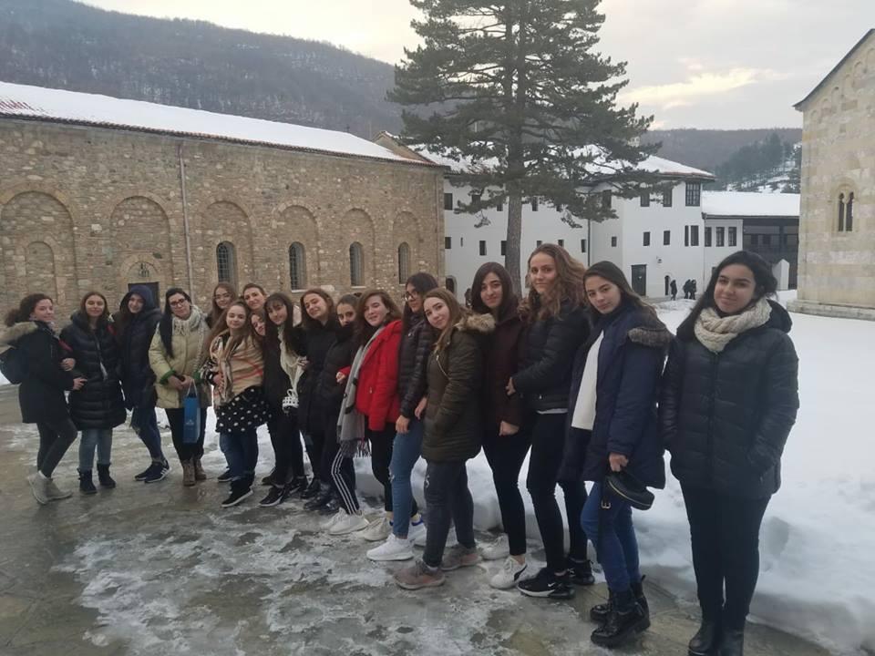 Udhëtimi i vajzave të klasave të 9-ta në Pejë