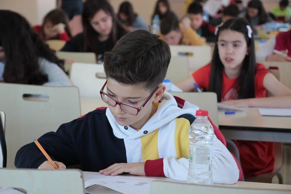 """Provimi i matematikës Kangaroo në shkollën """"Turgut Özal"""""""