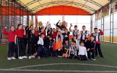 Klasa e 4B fiton Kampionatin e Futbollit