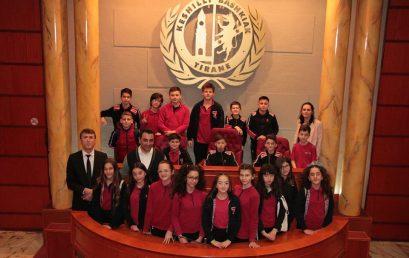 Vizita e klasave të gjashtave në Këshillin Bashkiak