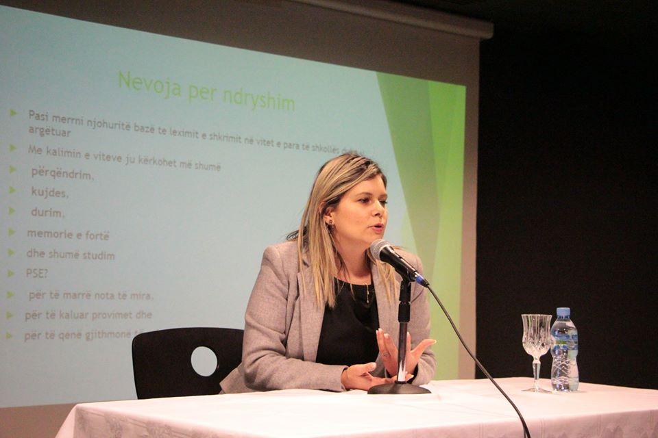 """""""Teknikat e të mësuarit"""" seminar me lektoren Jonida Tirana"""