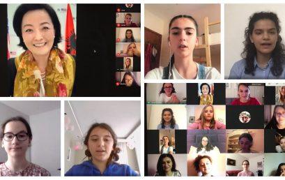 """Nxënësja e kolegjit """"Turgut Ozal"""", Saida Gjana, e pranishme në takimin """"Njihu me Amerikën"""""""